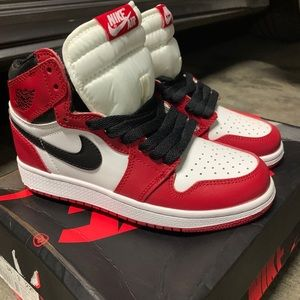 CHICAGO ONES KIDS SIZE 5 dead stock